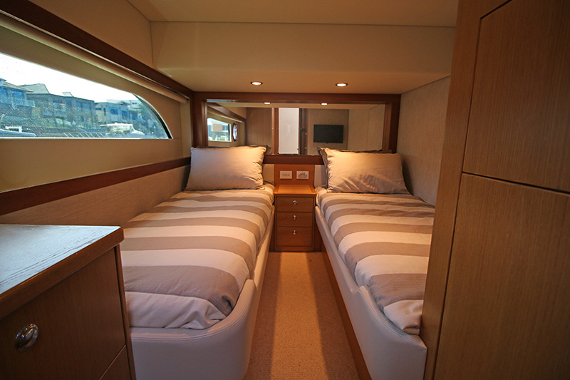 Starboard-Guests-Cabin