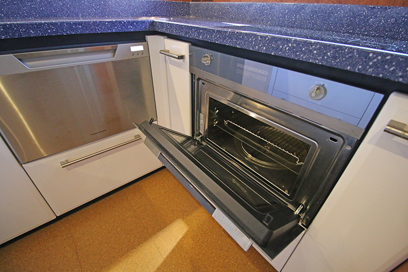 Galley-Oven