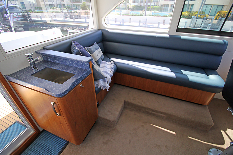 Wheelhouse-Settee