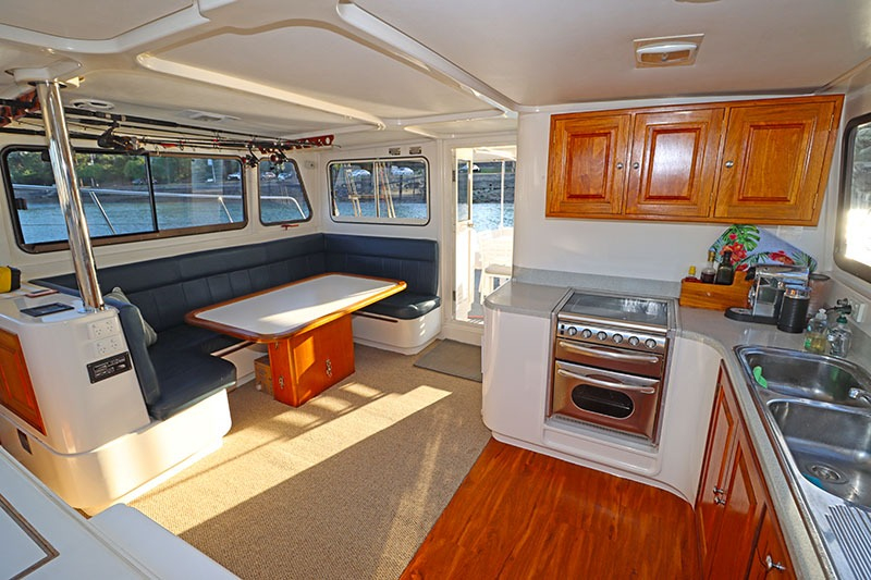Galley-Saloon